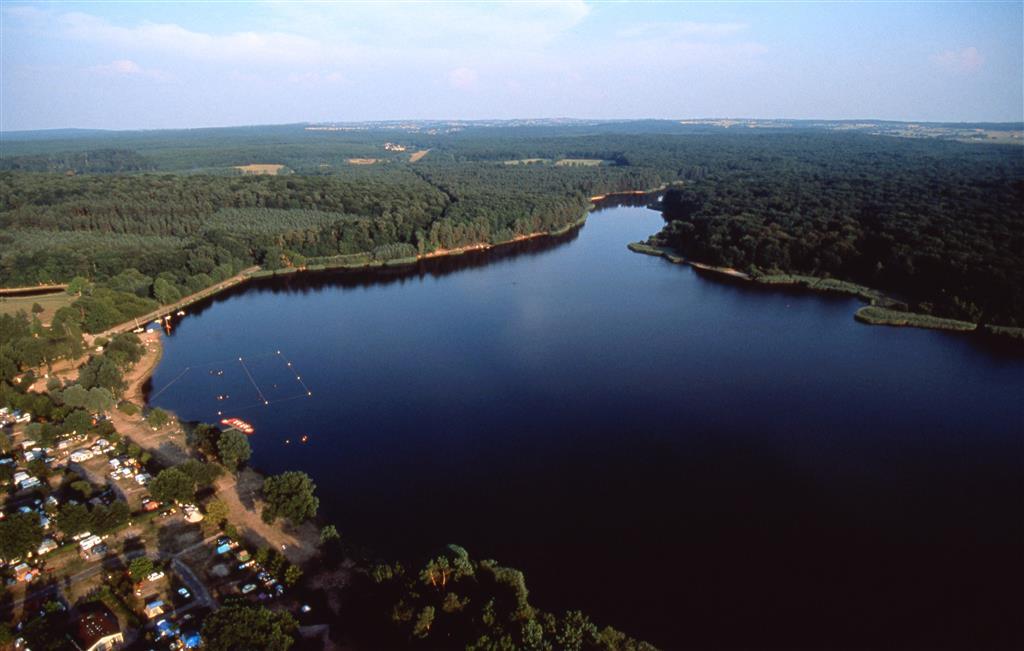 Photo aérienne de l'étang de Saint Bonnet