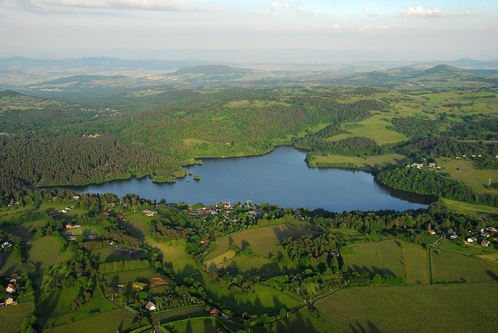 Photo aérienne du lac d'Aydat