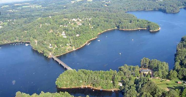 Photo aérienne du lac du barrage de Lavalette