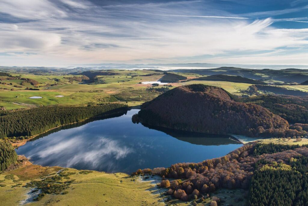 Photo aérienne du lac de Montcineyre